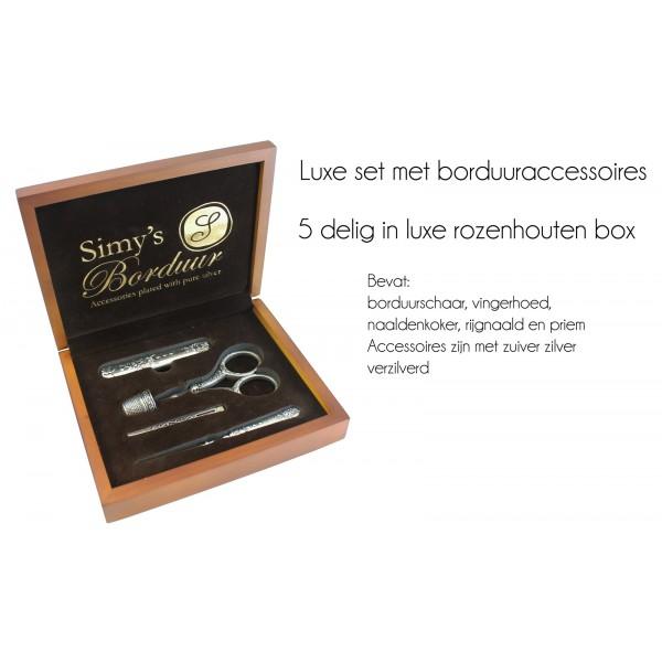 https://www.sparkelz-creatief.nl/images/haken/klein/simy-borduurset-verzilverd.jpg